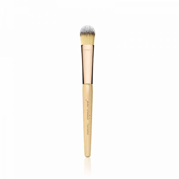 Brush to apply liquid foundation